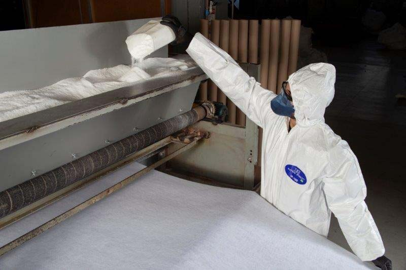 Dublagem de tecido com termocolante